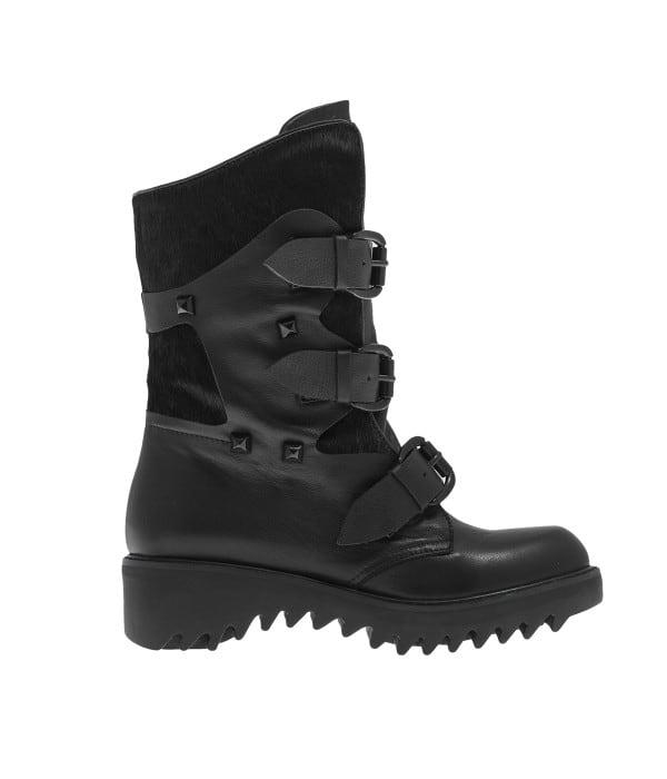 Μαύρη μπότα