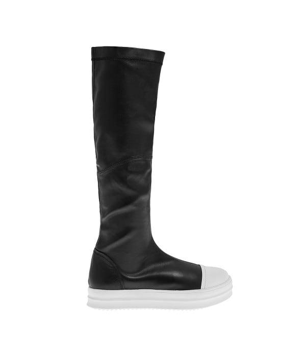 Ασπρόμαυρες μπότες