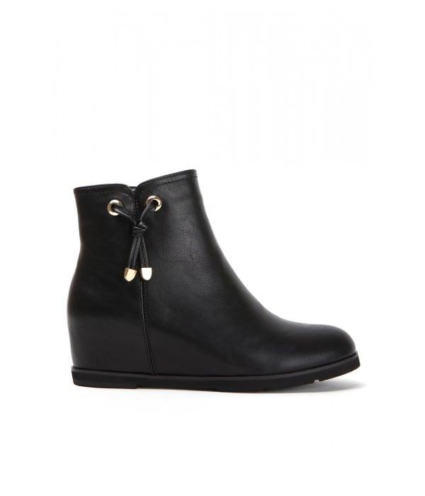 Gorey Black Leather