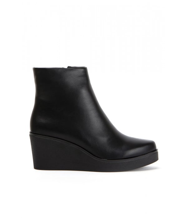 Anahim Black Leather