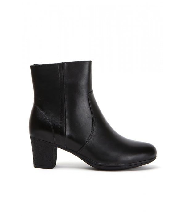 Lisborn Black Leather