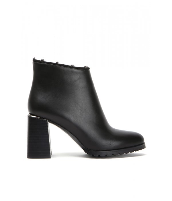 Jendar Black Leather