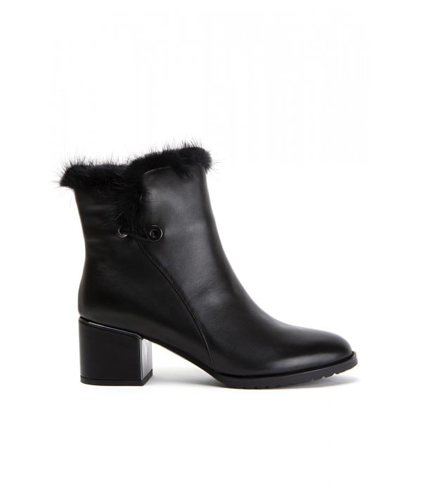 Momo Black Leather