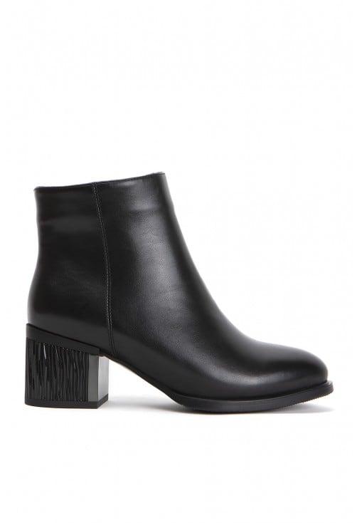 Pesaro Black Leather