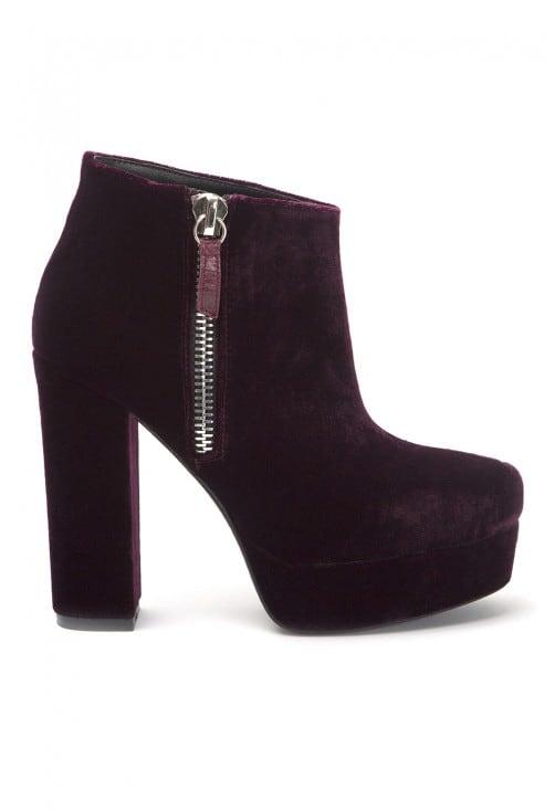 Daphne Purple V