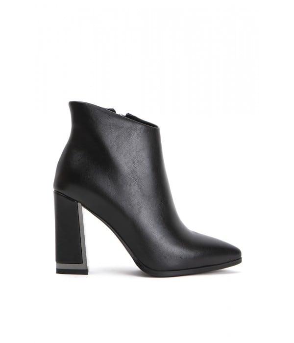 Grande Black Leather
