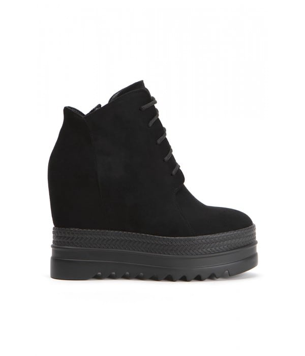 Roll Black Suede