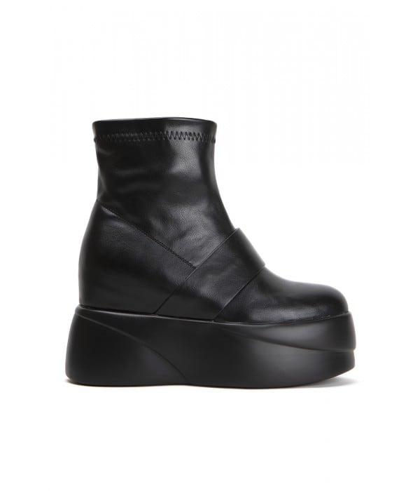 Beat Black Leather