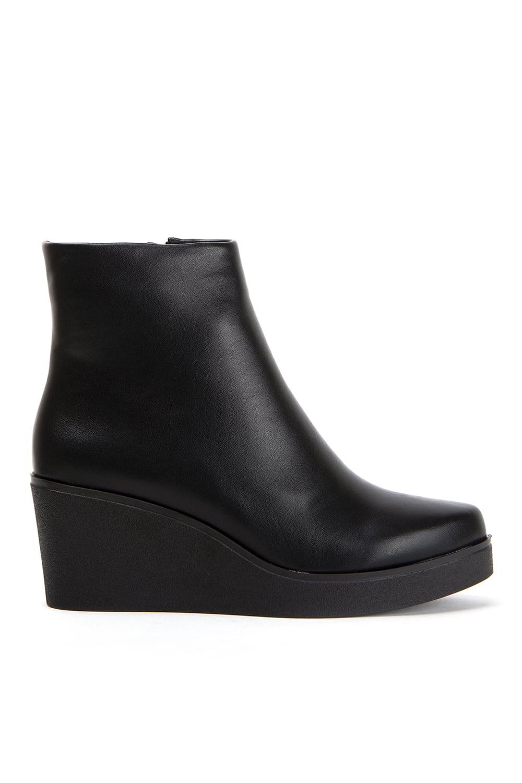Υποδήματα στο κατάστημα Keep Fred - Roe Shoes Collection c5249d8b806